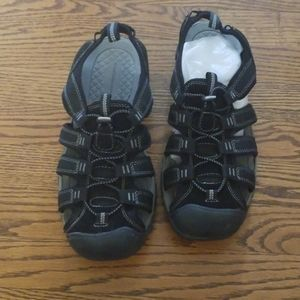 Croft & Barrow men black sandals size 10
